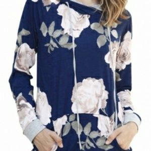 Tops - Blue floral sweater